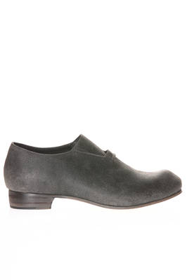 shoe in turned inside out horse leather and leather sole  - 180
