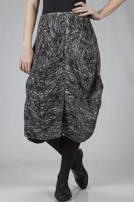 calf-length skirt in black and white polyester and rayon graffito on a velvet effect base  - 281