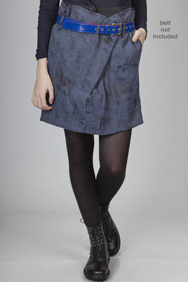 miniskirt in polyester and elastane canvas with  a worn-out velvet effect printing  - 274