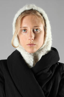 heavy hand-knitted alpaca neck with hood  - 230