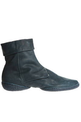 ANGLE ankle boot in treated cowhide leather and two shell rubber sole  - 51