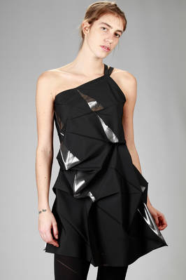 132 5. Issey Miyake – asymmetric tunic with origami algorithmic development of bicolor recycled polyester cloth  - 47