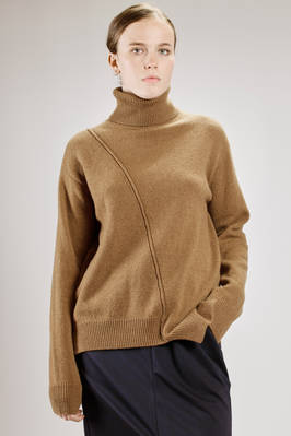 hip length sweater in 'lamb' wool knitting  - 121