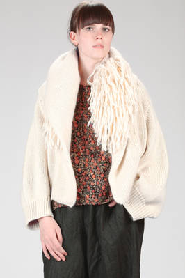 hip length cardigan in natural woollen and polyamide knitting with fur stitch on the neck  - 227