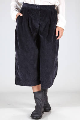 short and wide trousers in cotton velvet with vertical ribs  - 347
