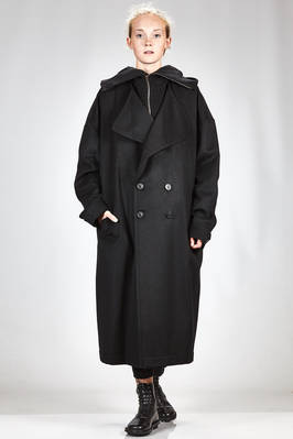 wide and long coat in very soft nylon and wool cloth  - 340