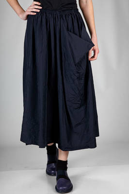 long and wide skirt in very light washed and wrinkled polyester taffetas  - 157