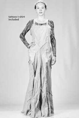 'mermaid' dress, long and slim fitted made of round sewed patchwork with frayed borders with t-shirt tattoo printed  - 74