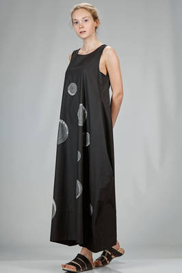wide and long dress in cotton canvas with 'moon' patches on the front  - 364