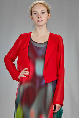 asymmetrical and short jacket in polyester georgette doubled on the body  - 364