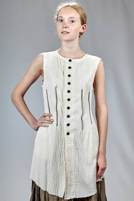 slim fitted waistcoat in silk crêpe draped on the front with vertical canes and contrasting color topstitching  - 365