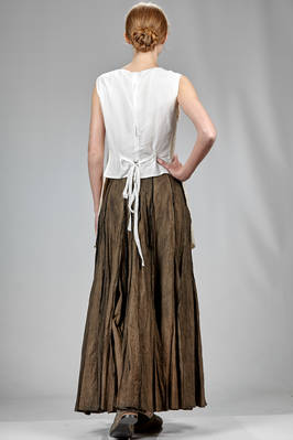 slim fitted waistcoat in silk crêpe draped on the front with vertical canes and contrasting color topstitching - PHAÉDO