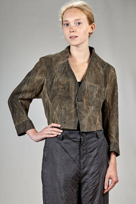 short 'sculpture' jacket in silk that seems old leather and with shaded ink dyeing  - 365