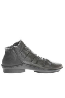 COUP shoe in very soft cowhide leather washed and double in a cotton canvas base  - 51