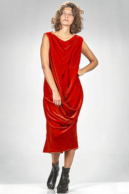 longuette dress in smooth velvet of viscose and silk, lined in cupro on the chest  - 120