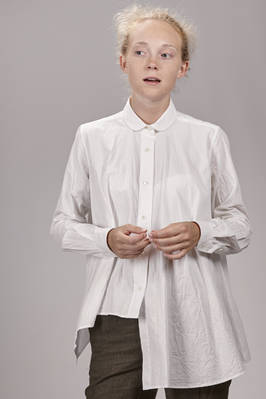 wide and asymmetrical shirt in washed cotton poplin  - 161