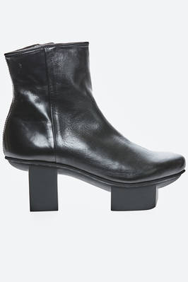 SPIKE ankle boot in smooth and shinny cowhide leather with Japanese heel  - 51